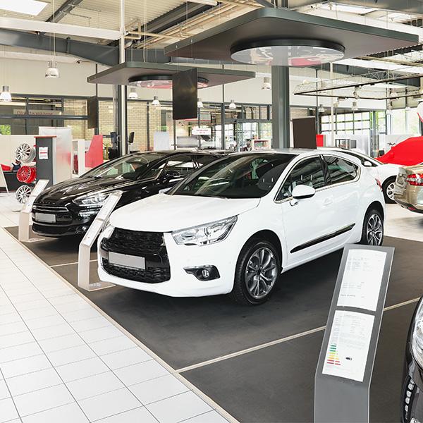 Autohäuser und Reifenhandel